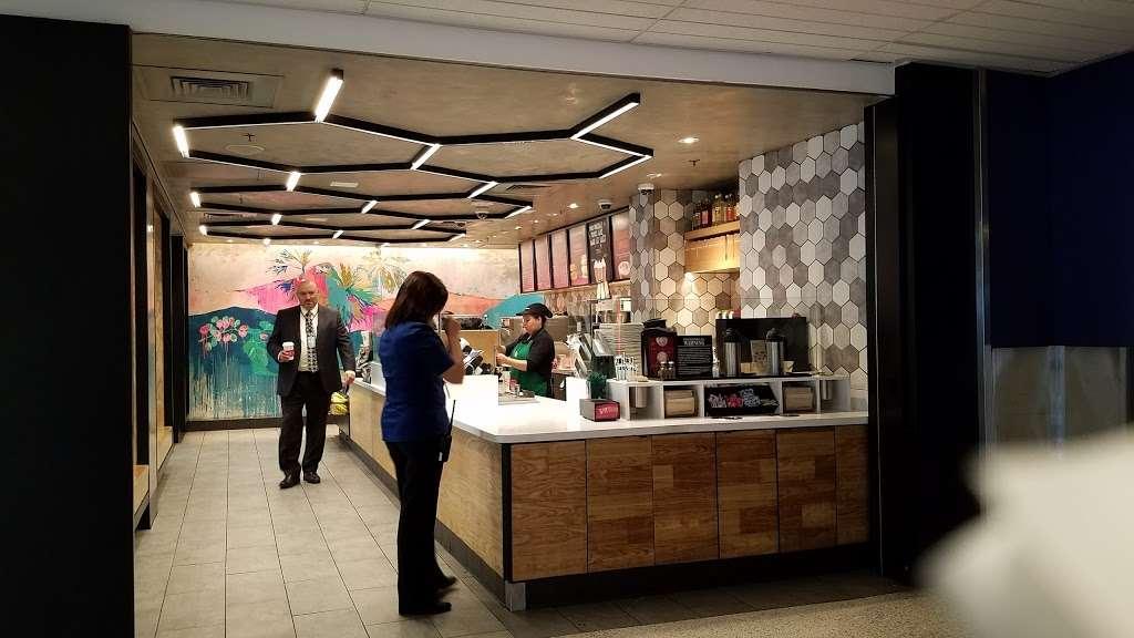 Starbucks - cafe  | Photo 6 of 10 | Address: 600 World Way, Los Angeles, CA 90045, USA