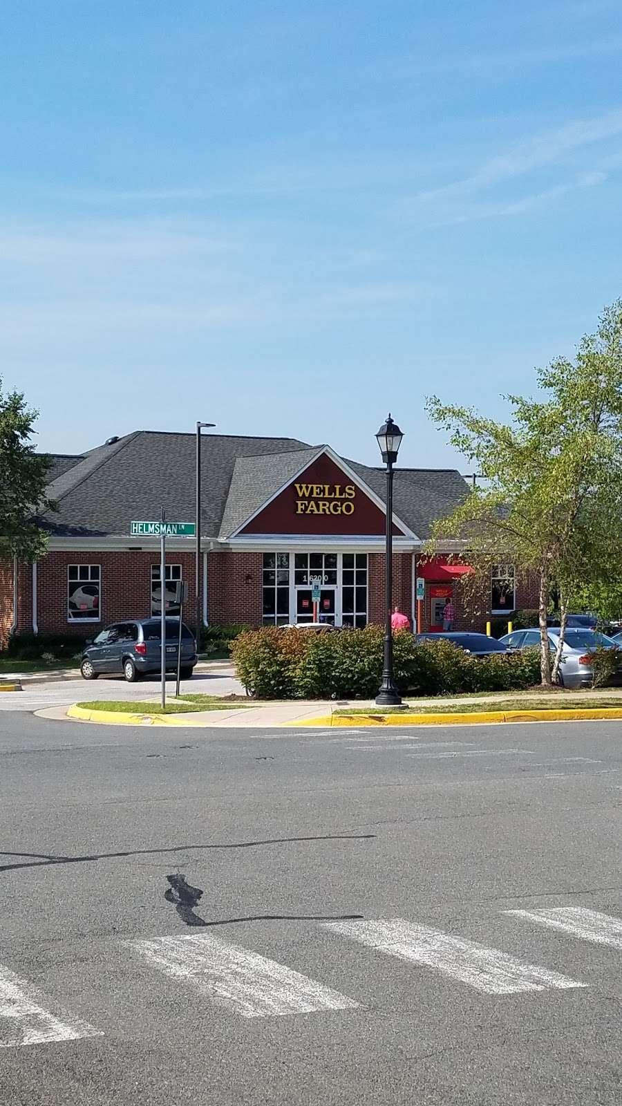 Wells Fargo Bank - bank  | Photo 1 of 3 | Address: 16300 Navigation Dr, Woodbridge, VA 22191, USA | Phone: (703) 580-5468