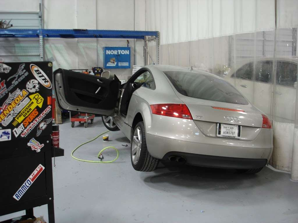 New Look Collision Center - car repair  | Photo 8 of 10 | Address: 5845 W Shelbourne Ave, Las Vegas, NV 89139, USA | Phone: (702) 269-1650