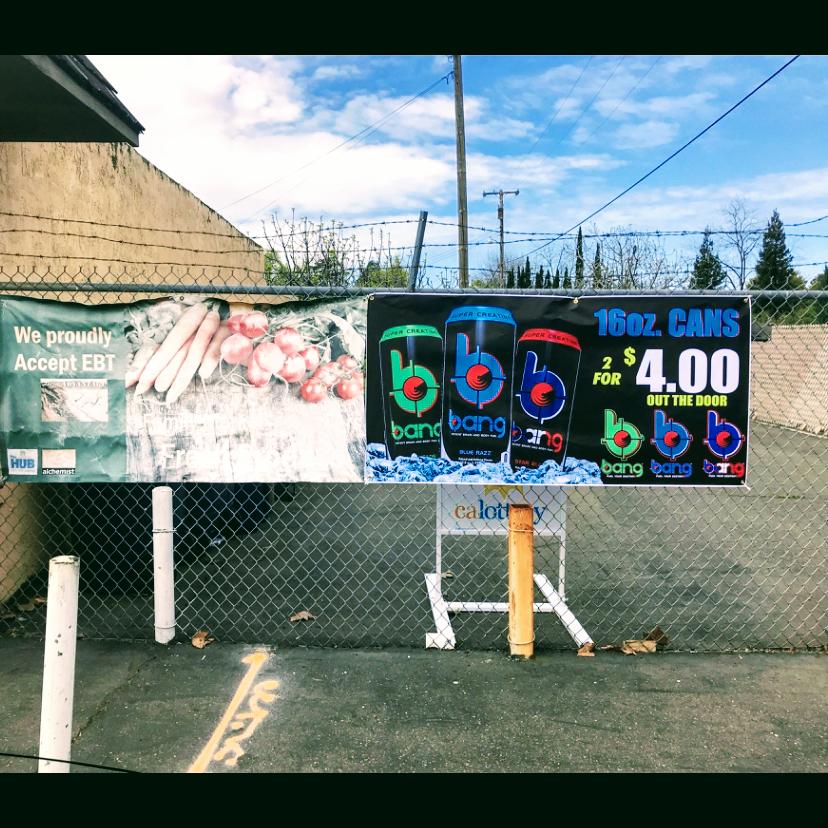 Family Market - convenience store    Photo 3 of 3   Address: 4310 73rd St, Sacramento, CA 95820, USA   Phone: (916) 455-6765