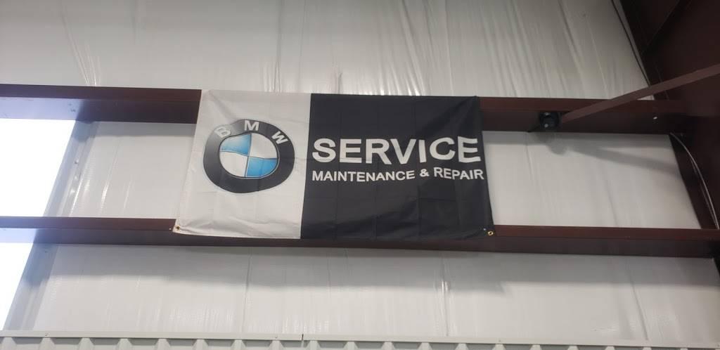 German Motor Works INC - BMW-MINI COOPER - MERCEDES BENZ - AUDI  - car repair  | Photo 4 of 10 | Address: 12627 E Central Ave #100, Wichita, KS 67206, USA | Phone: (316) 867-2828