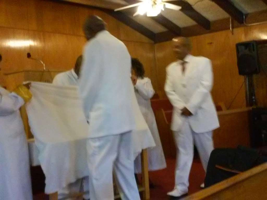 True Fellowship Baptist Church - church    Photo 8 of 9   Address: 9556 S King Dr, Chicago, IL 60628, USA   Phone: (773) 785-9710