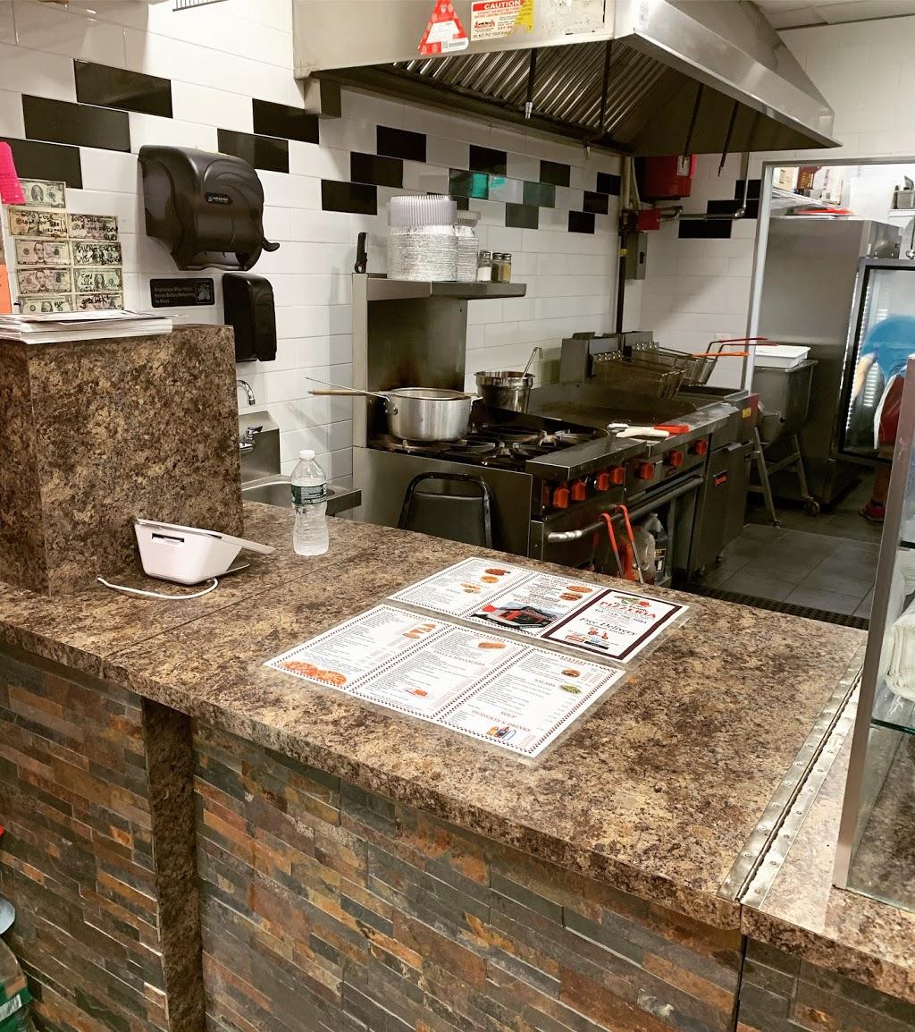 First Family Pizzeria - restaurant  | Photo 5 of 8 | Address: 1840 Nereid Ave, The Bronx, NY 10466, USA | Phone: (718) 798-5084