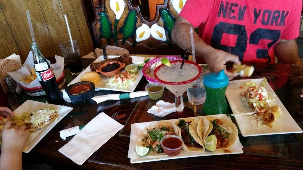 Mexico City Taqueria - restaurant  | Photo 4 of 10 | Address: 1 W Union St, Ashland, MA 01721, USA | Phone: (508) 881-3500