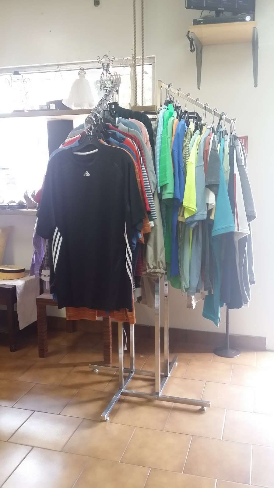 Glow Thrift Shop Store - clothing store  | Photo 6 of 10 | Address: 561 Palisade Ave, Jersey City, NJ 07307, USA | Phone: (646) 399-7397