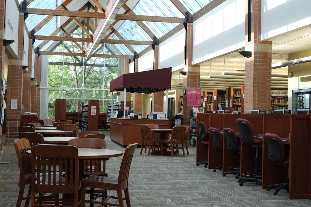 Mahwah Public Library - library  | Photo 1 of 8 | Address: 100 Ridge Rd, Mahwah, NJ 07430, USA | Phone: (201) 529-7323