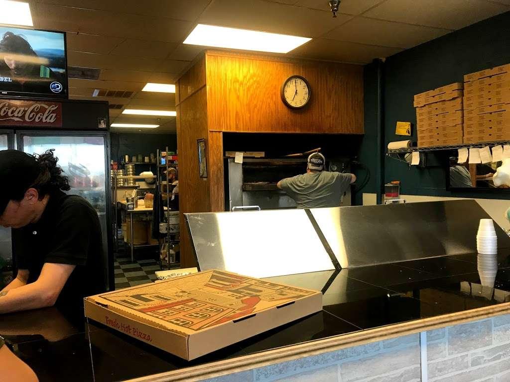 Manninos Pizza - restaurant  | Photo 1 of 10 | Address: 43362 US-27, Davenport, FL 33837, USA | Phone: (863) 424-4222