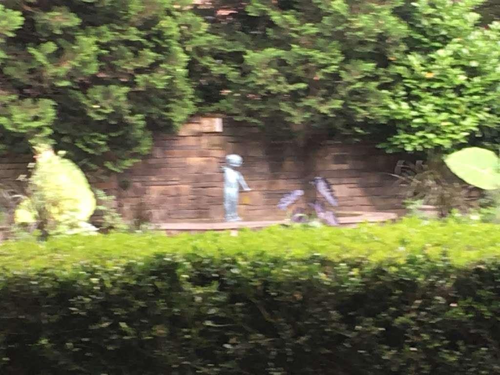 Fragrance Garden Alice Recknagel Ireys - park  | Photo 10 of 10 | Address: 998 Mary Pinkett Avenue, Brooklyn, NY 11225, USA | Phone: (718) 623-7200