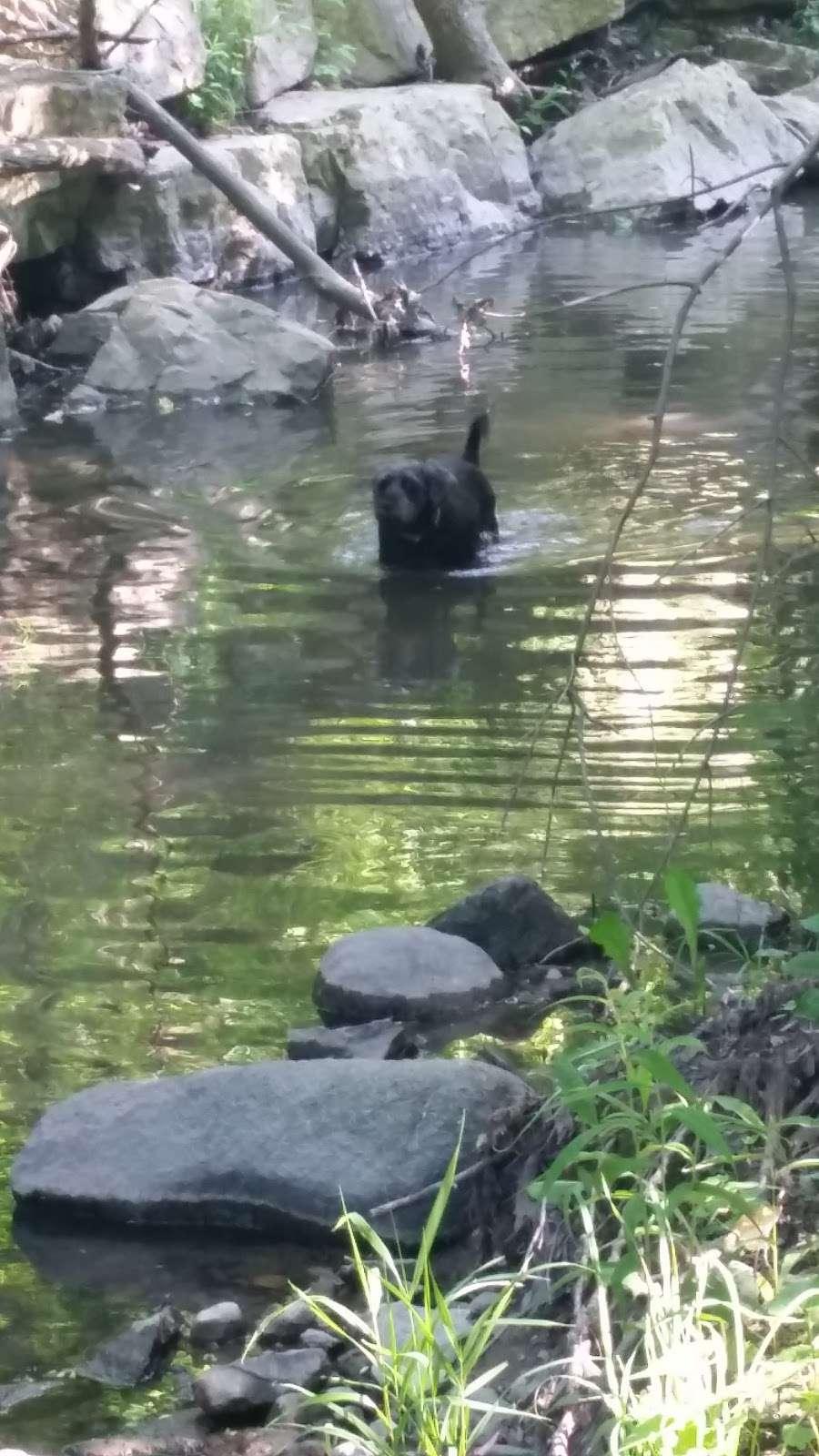 Kinnickinnic River Parkway - park  | Photo 4 of 10 | Address: W Rita Dr, Milwaukee, WI 53219, USA | Phone: (414) 643-0120