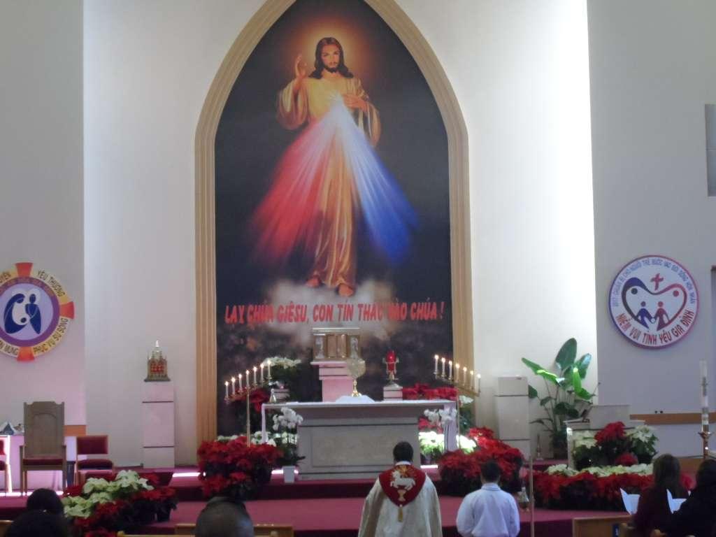 Vietnamese Martyr Church - church  | Photo 9 of 10 | Address: 10610 Kingspoint Rd, Houston, TX 77075, USA | Phone: (713) 941-0521