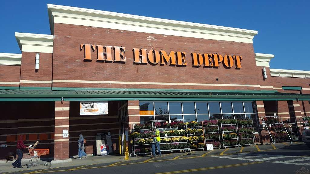 The Home Depot - hardware store  | Photo 2 of 10 | Address: 579 Gateway Dr, Brooklyn, NY 11239, USA | Phone: (718) 827-9568