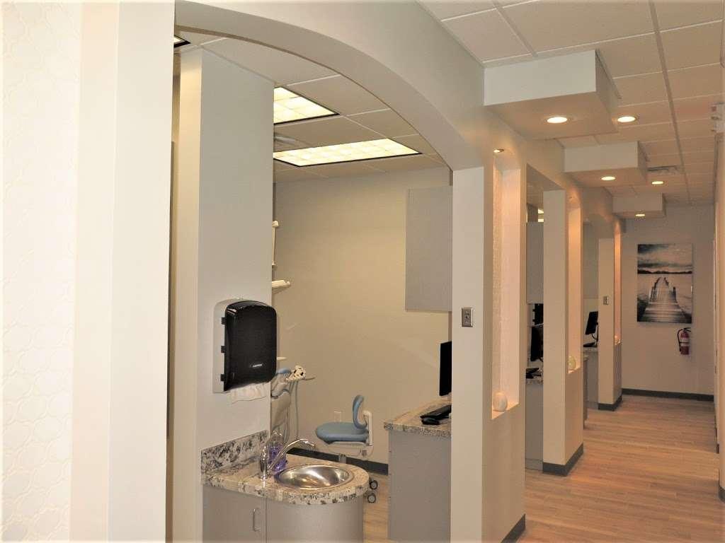 Blackhawk Dental - dentist  | Photo 2 of 7 | Address: 10304 Blackhawk Blvd Suite A, Houston, TX 77089, USA | Phone: (832) 288-2753