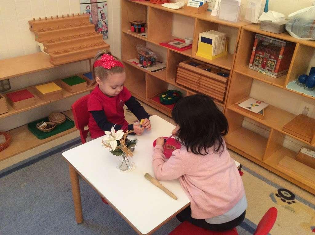 Village Montessori School - school  | Photo 9 of 10 | Address: 33874 Snickersville Turnpike, Bluemont, VA 20135, USA | Phone: (540) 454-7514