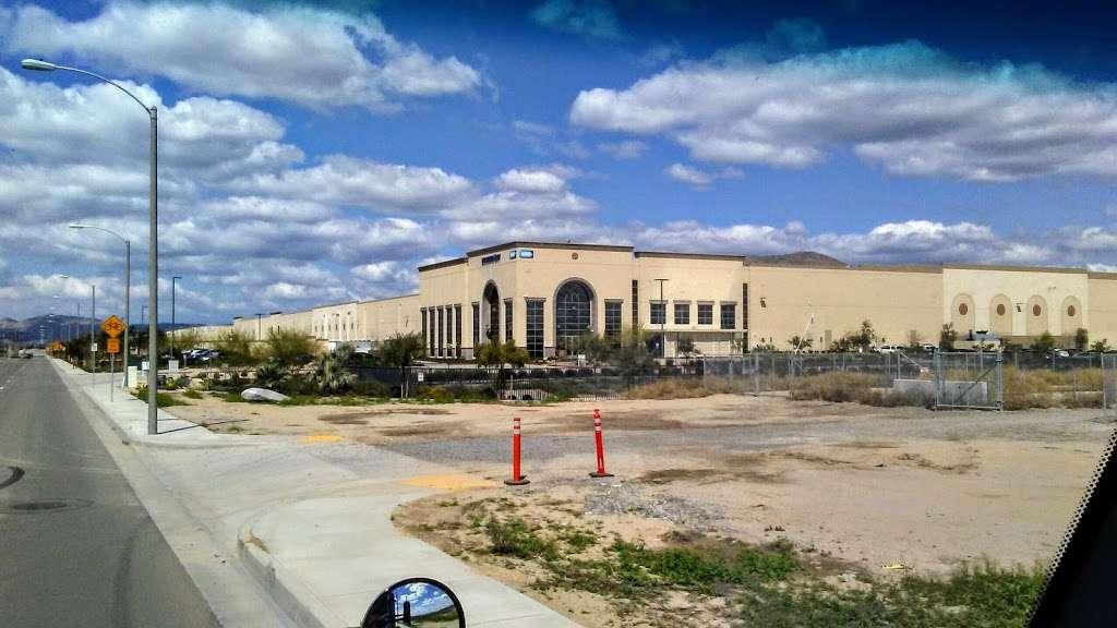 Essendant - Perris Distribution Center - storage    Photo 2 of 9   Address: 4555 Redlands Ave, Perris, CA 92571, USA   Phone: (951) 436-3999