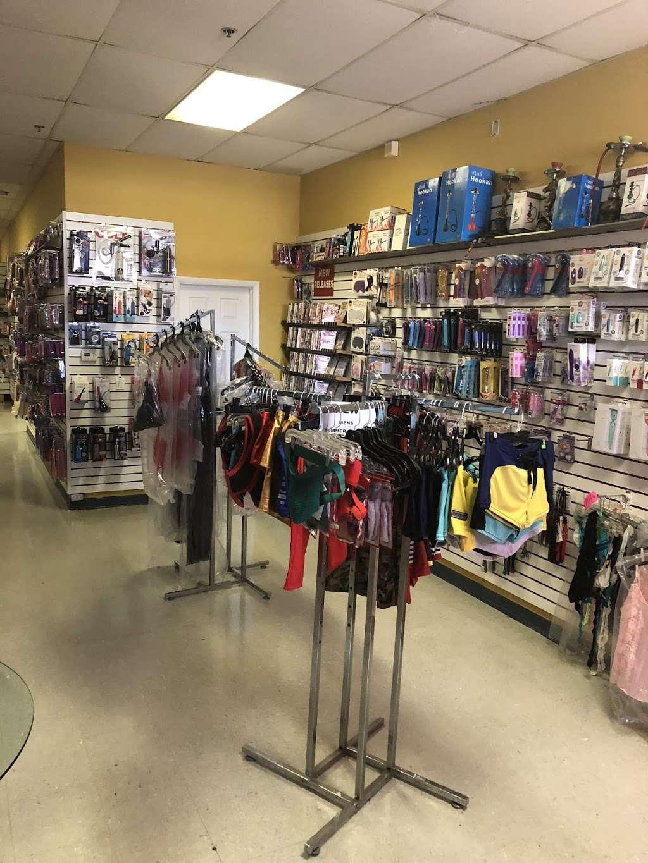 Video Flixx - store  | Photo 2 of 10 | Address: 7 2045, NJ-35, South Amboy, NJ 08879, USA | Phone: (732) 525-8500