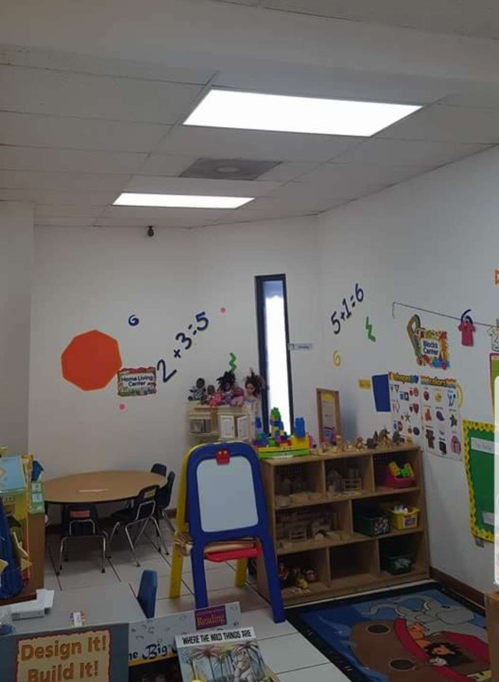 LITTLE STARZ ACADEMY - school  | Photo 10 of 10 | Address: 3896 NW 167th St, Opa-locka, FL 33054, USA | Phone: (305) 625-3599