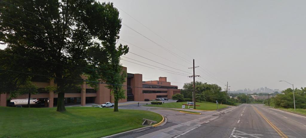 Cerner Corporation - Oaks Campus - health  | Photo 2 of 3 | Address: 3315 N Oak Trafficway, Kansas City, MO 64116, USA | Phone: (816) 221-1024