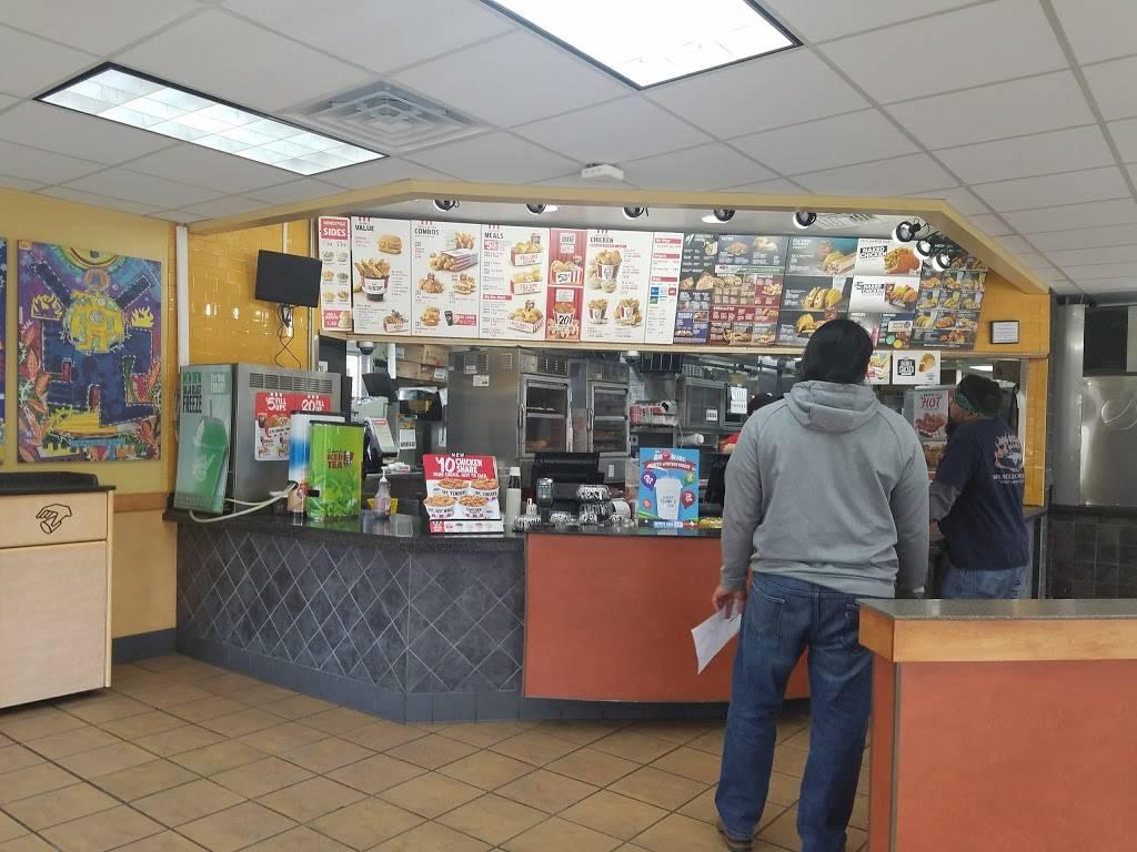 Taco Bell - meal takeaway    Photo 6 of 10   Address: 139 S Battlefield Blvd S, Chesapeake, VA 23322, USA   Phone: (757) 482-2088