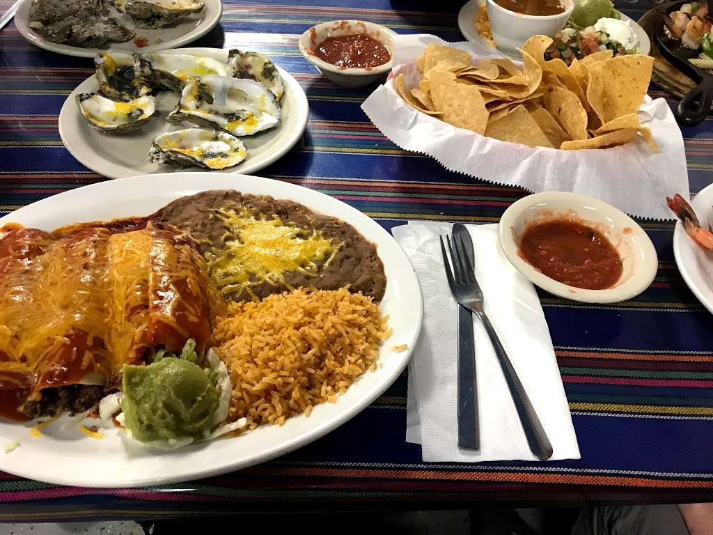 Joses Cantina Restaurant - restaurant  | Photo 2 of 10 | Address: 1021 State Hwy 87, Crystal Beach, TX 77650, USA | Phone: (409) 684-1180
