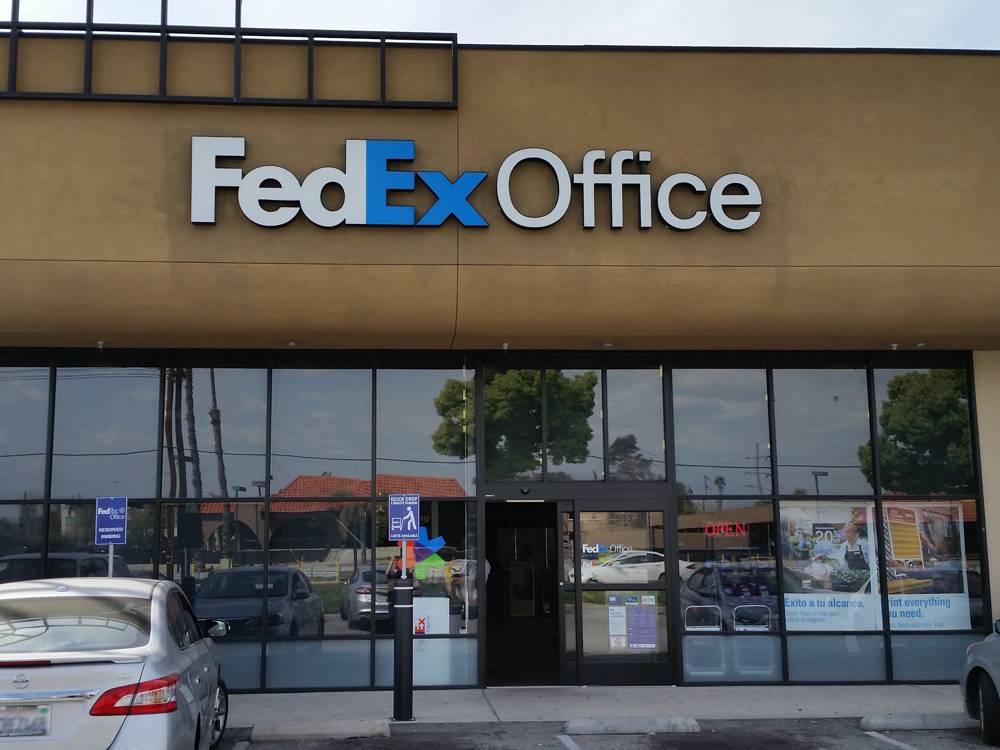 FedEx Office Print & Ship Center - store  | Photo 1 of 9 | Address: 1440 S E St Suite B, San Bernardino, CA 92408, USA | Phone: (909) 381-6282