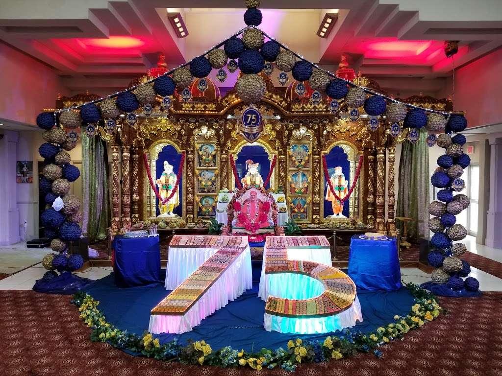 Shree Swaminarayan Temple - hindu temple  | Photo 3 of 10 | Address: 200 Penhorn Ave, Secaucus, NJ 07094, USA | Phone: (201) 325-0510