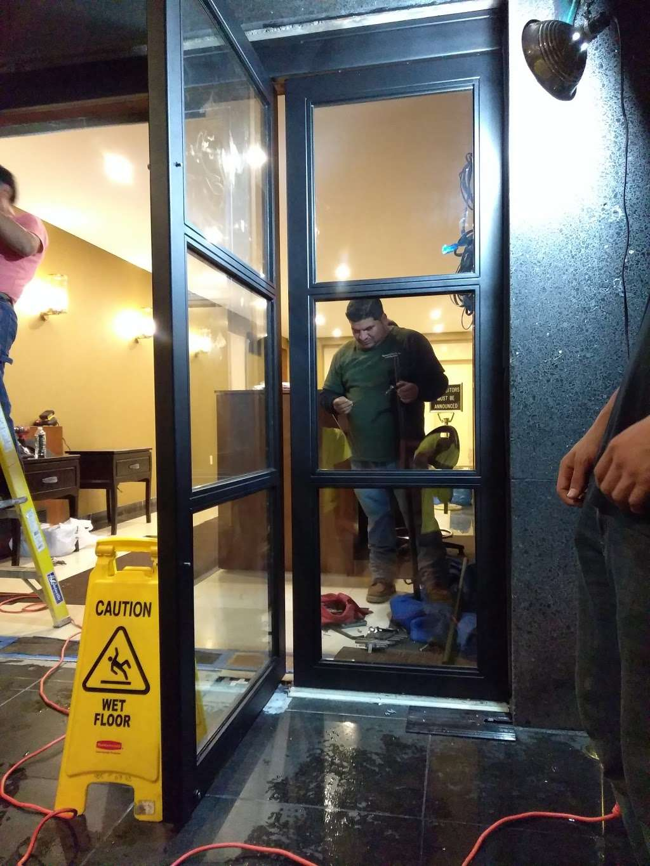 Raymond Glass Co Inc - car repair  | Photo 9 of 10 | Address: 311 Communipaw Ave, Jersey City, NJ 07304, USA | Phone: (201) 333-5446