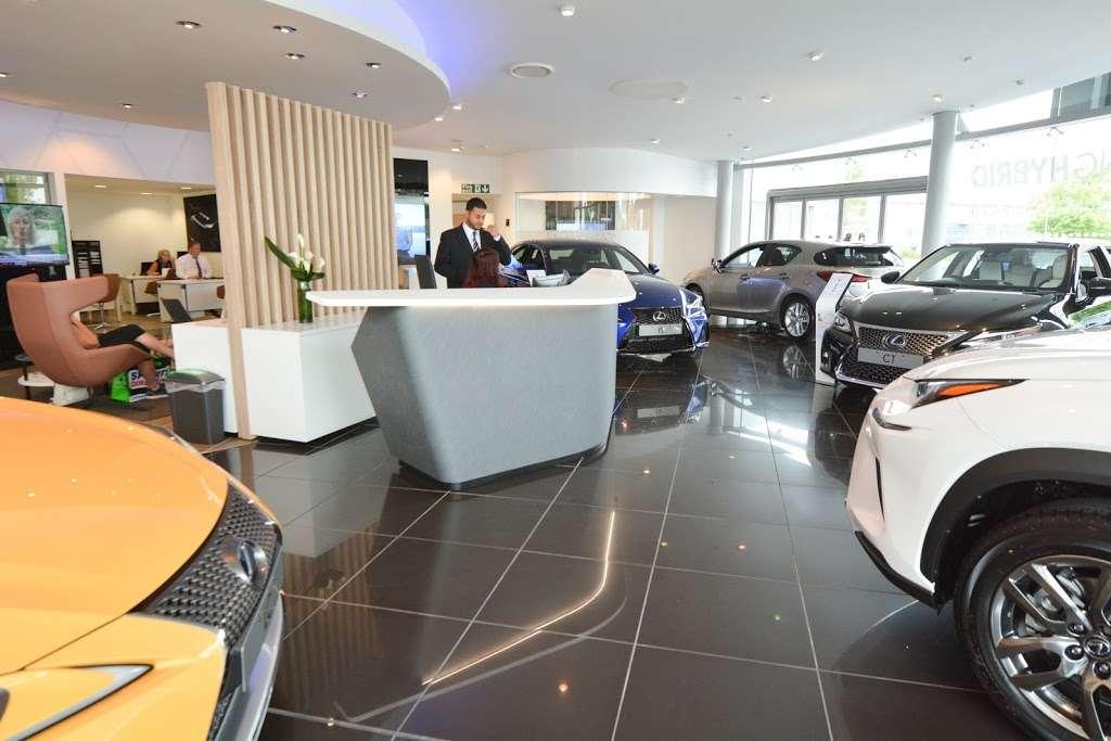 Lexus Croydon - car dealer  | Photo 3 of 10 | Address: 604 Purley Way, Croydon CR0 4RF, UK | Phone: 020 3733 8139