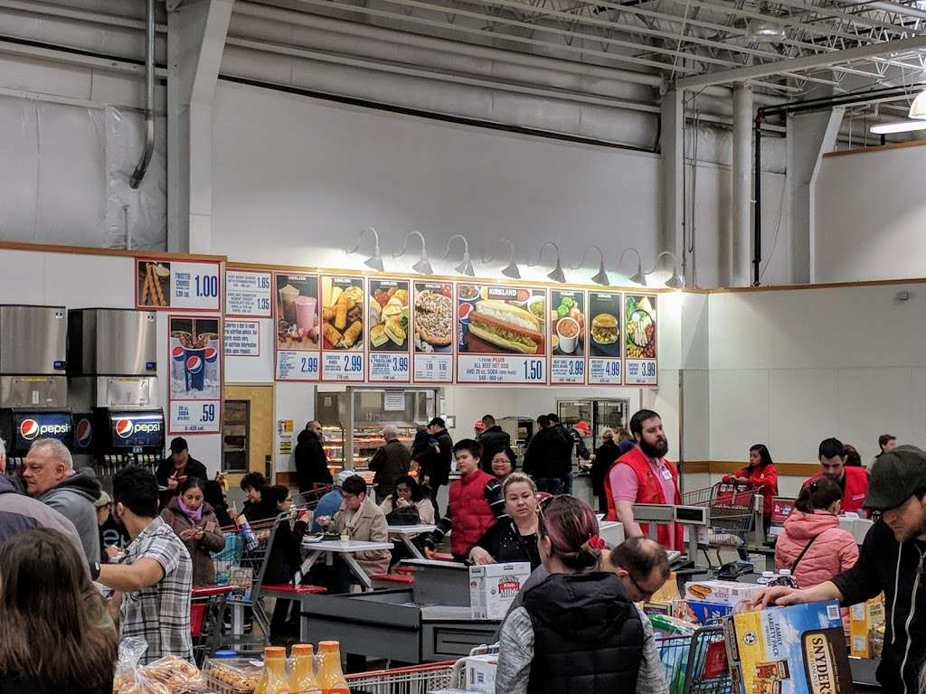 Costco Food Court - meal takeaway  | Photo 2 of 3 | Address: 8400 W North Ave, Melrose Park, IL 60160, USA | Phone: (708) 397-2905