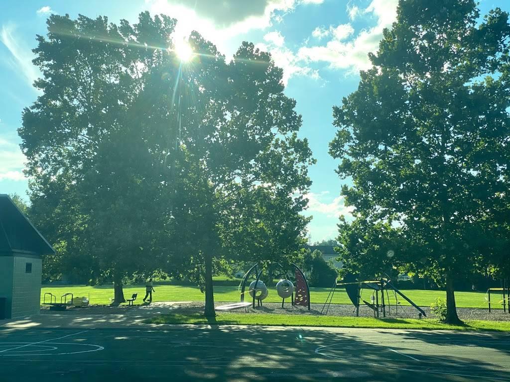 Ivory Crockett Park - park  | Photo 4 of 7 | Address: 106 Almentor Ave, Webster Groves, MO 63119, USA | Phone: (314) 963-5600