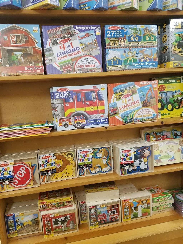 Clay Book Store - book store  | Photo 4 of 10 | Address: 2450 W Main St, Ephrata, PA 17522, USA | Phone: (717) 733-7253
