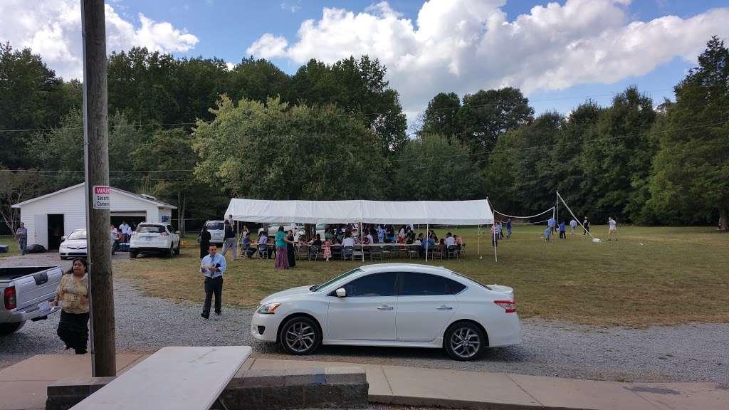 Iglesia La Luz Del Mundo - church  | Photo 4 of 10 | Address: 9645 Parkton Rd, Charlotte, NC 28215, USA