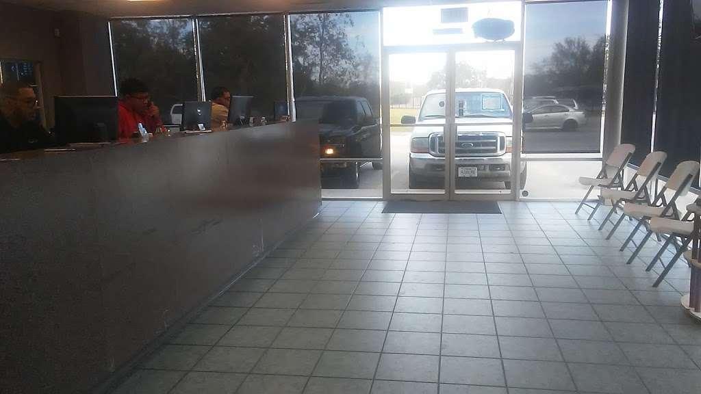Simco Automotive Inc. - car repair    Photo 3 of 9   Address: 9805 Veterans Memorial Dr, Houston, TX 77038, USA   Phone: (281) 820-6000