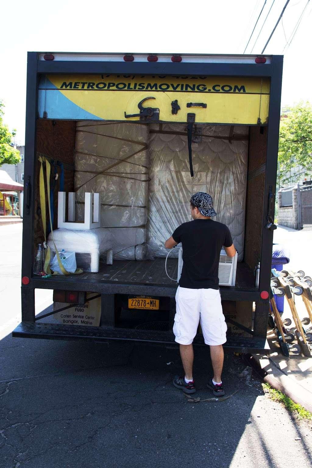 Metropolis Moving - moving company  | Photo 6 of 10 | Address: 476 Jefferson St, Brooklyn, NY 11237, USA | Phone: (718) 710-4520