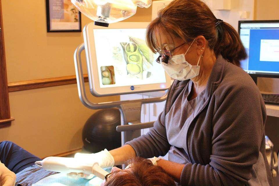 Park Avenue Dental Professionals - dentist  | Photo 5 of 10 | Address: 1001 W Park Ave, Libertyville, IL 60048, USA | Phone: (847) 918-1255