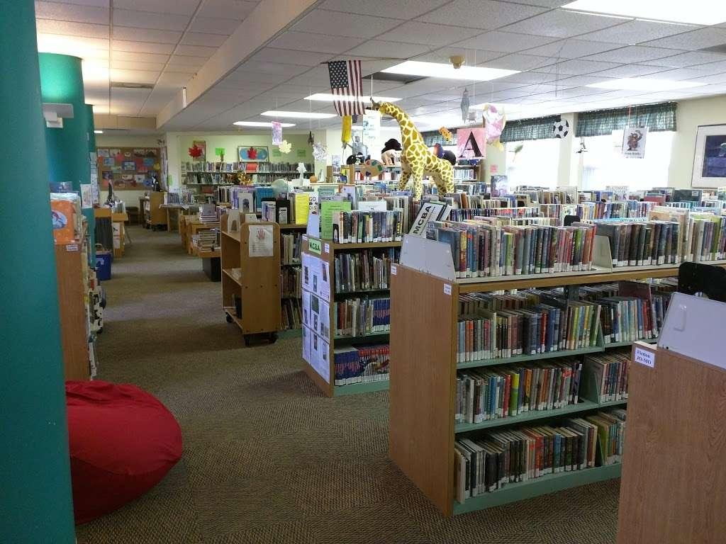 Reuben Hoar Public Library - library  | Photo 3 of 4 | Address: 41 Shattuck St, Littleton, MA 01460, USA | Phone: (978) 540-2600