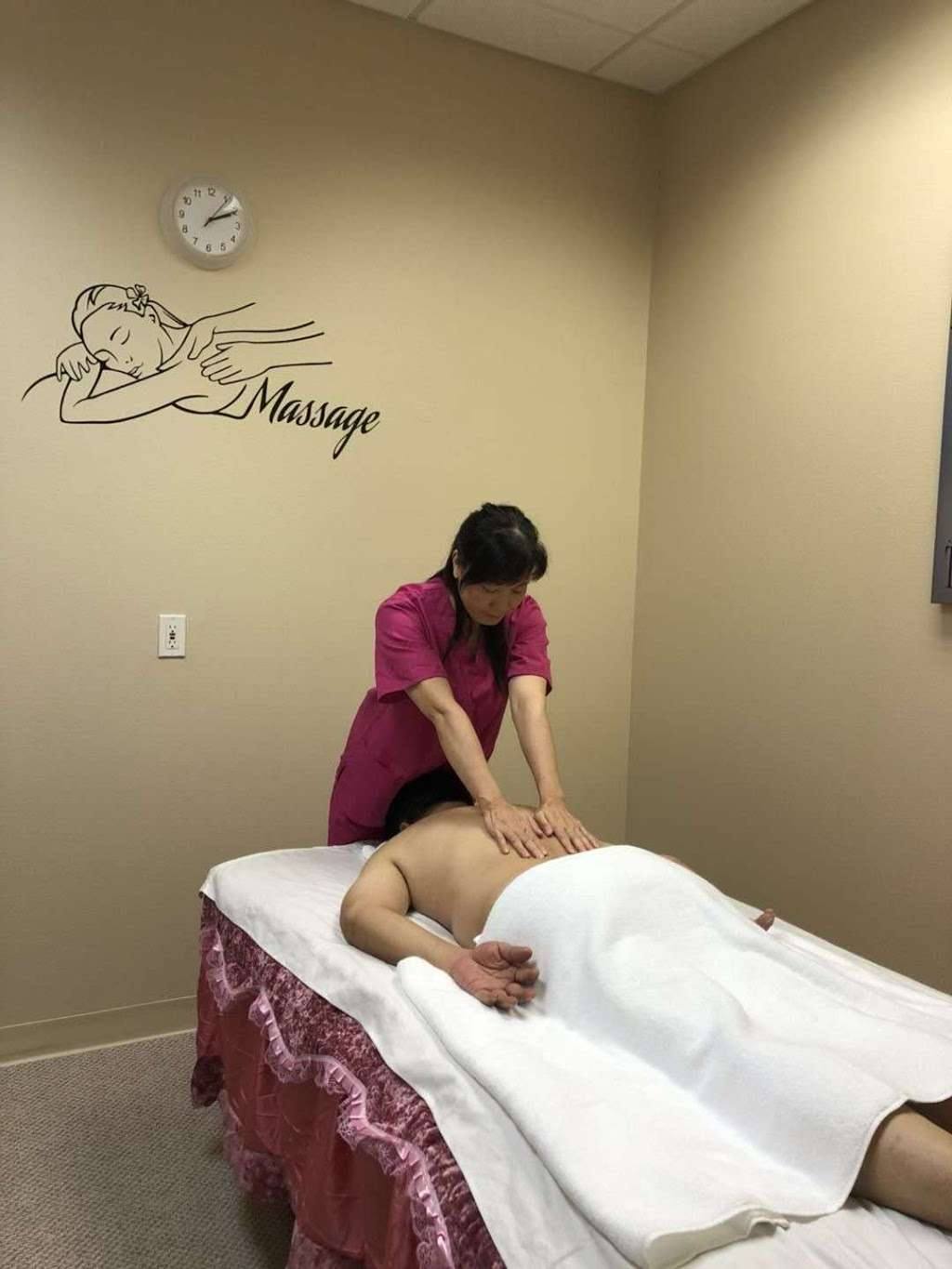Q MASSAGE - spa  | Photo 4 of 10 | Address: 8790 FM 1960 a101, Humble, TX 77338, USA | Phone: (346) 616-5095