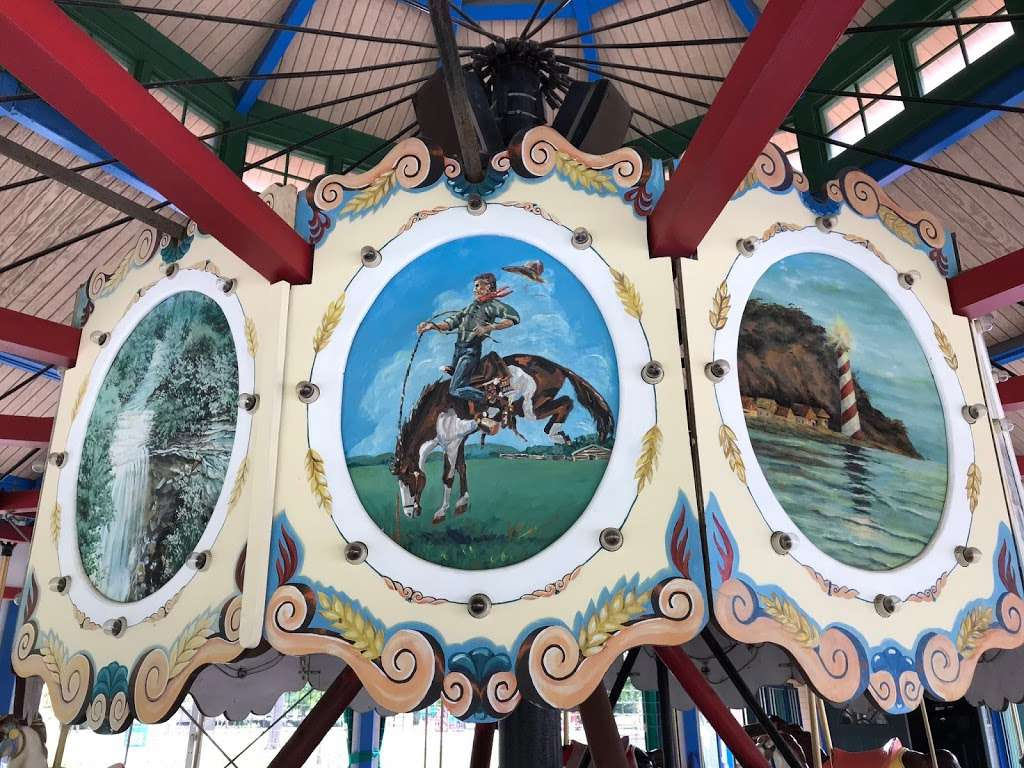 Forest Park Carousel and Mini Golf Course - amusement park  | Photo 1 of 3 | Address: 701 Cicero Rd, Noblesville, IN 46060, USA | Phone: (317) 776-6350