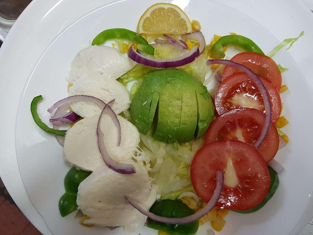 Pizza Comodor - restaurant  | Photo 2 of 6 | Address: 1 Market Square, Westerham TN16 1AN, UK | Phone: 01959 565600
