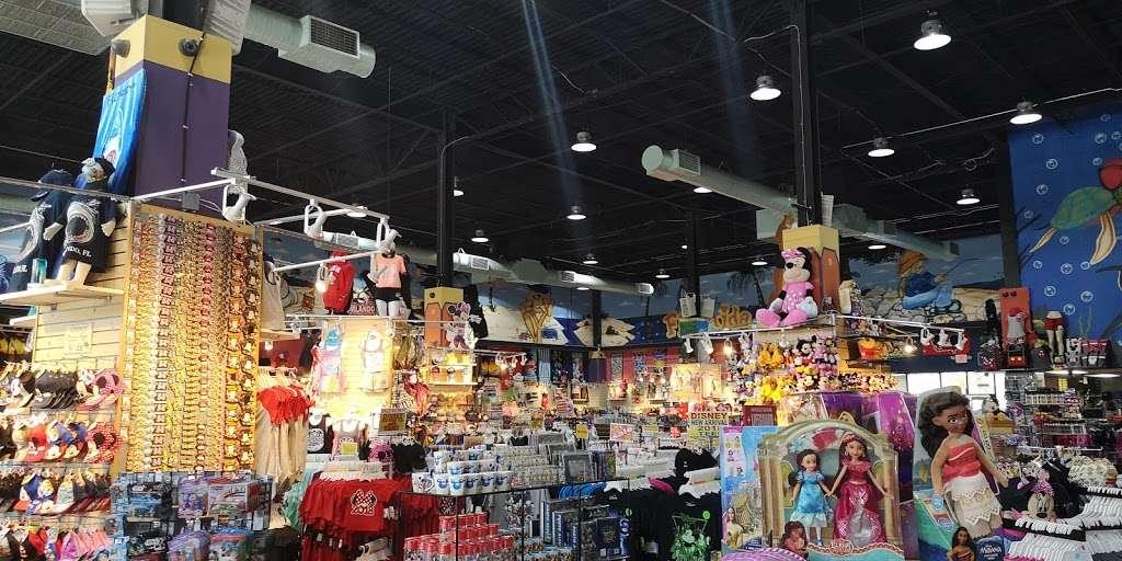 Bargain World Lake Buena Vista - clothing store    Photo 6 of 10   Address: 12236 S Apopka Vineland Rd, Orlando, FL 32836, USA   Phone: (407) 239-4100