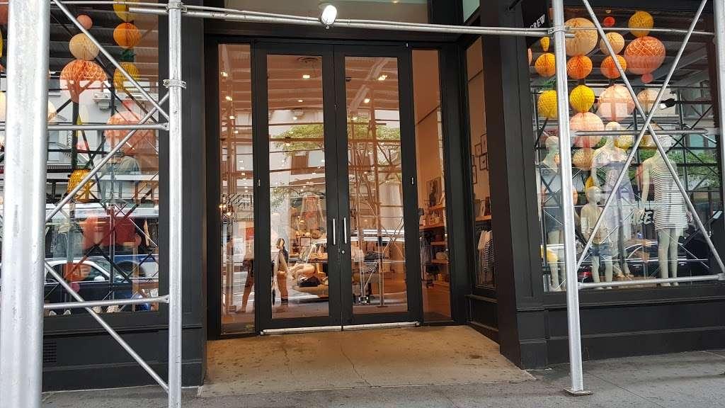 J.Crew - clothing store  | Photo 4 of 10 | Address: 91 5th Ave, New York, NY 10003, USA | Phone: (212) 255-4848
