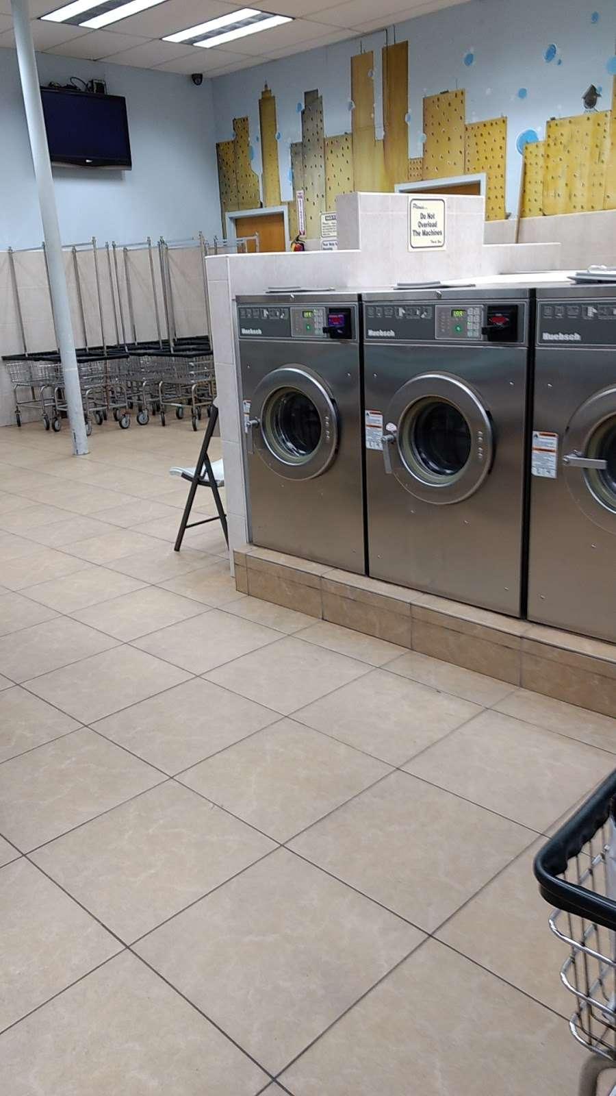 Arlington Laundromat - laundry  | Photo 3 of 5 | Address: 493 Ridge Rd, North Arlington, NJ 07031, USA | Phone: (201) 997-5757
