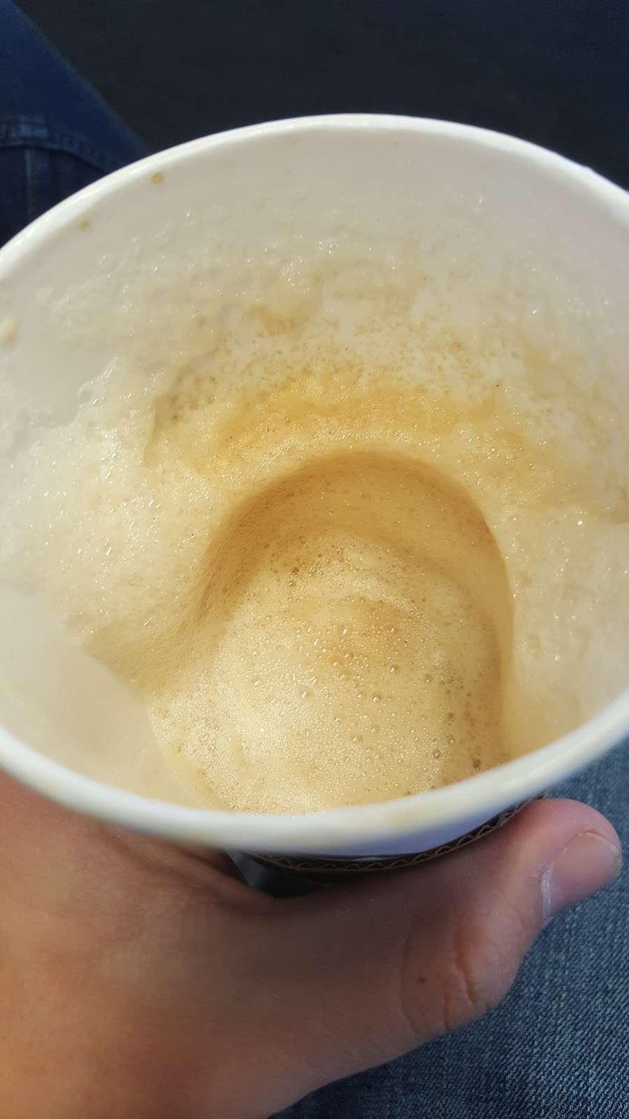 Starbucks - cafe  | Photo 9 of 10 | Address: 201 World Way, Los Angeles, CA 90045, USA | Phone: (310) 646-3472
