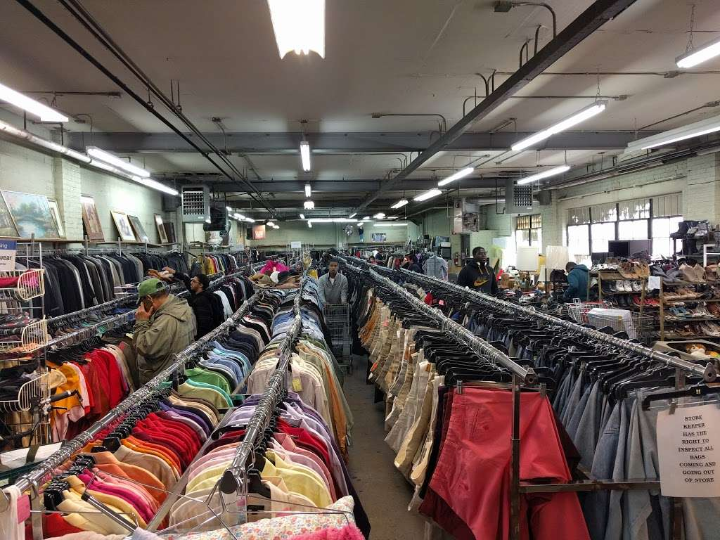 Salvation Army Thrift Store - store  | Photo 1 of 6 | Address: 39-11 61st St, Woodside, NY 11377, USA | Phone: (718) 458-1526
