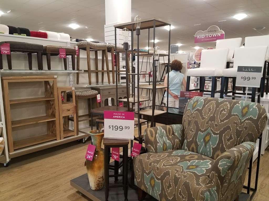 HomeGoods - department store  | Photo 4 of 10 | Address: 110 Lefante Way, Bayonne, NJ 07002, USA | Phone: (201) 339-2301