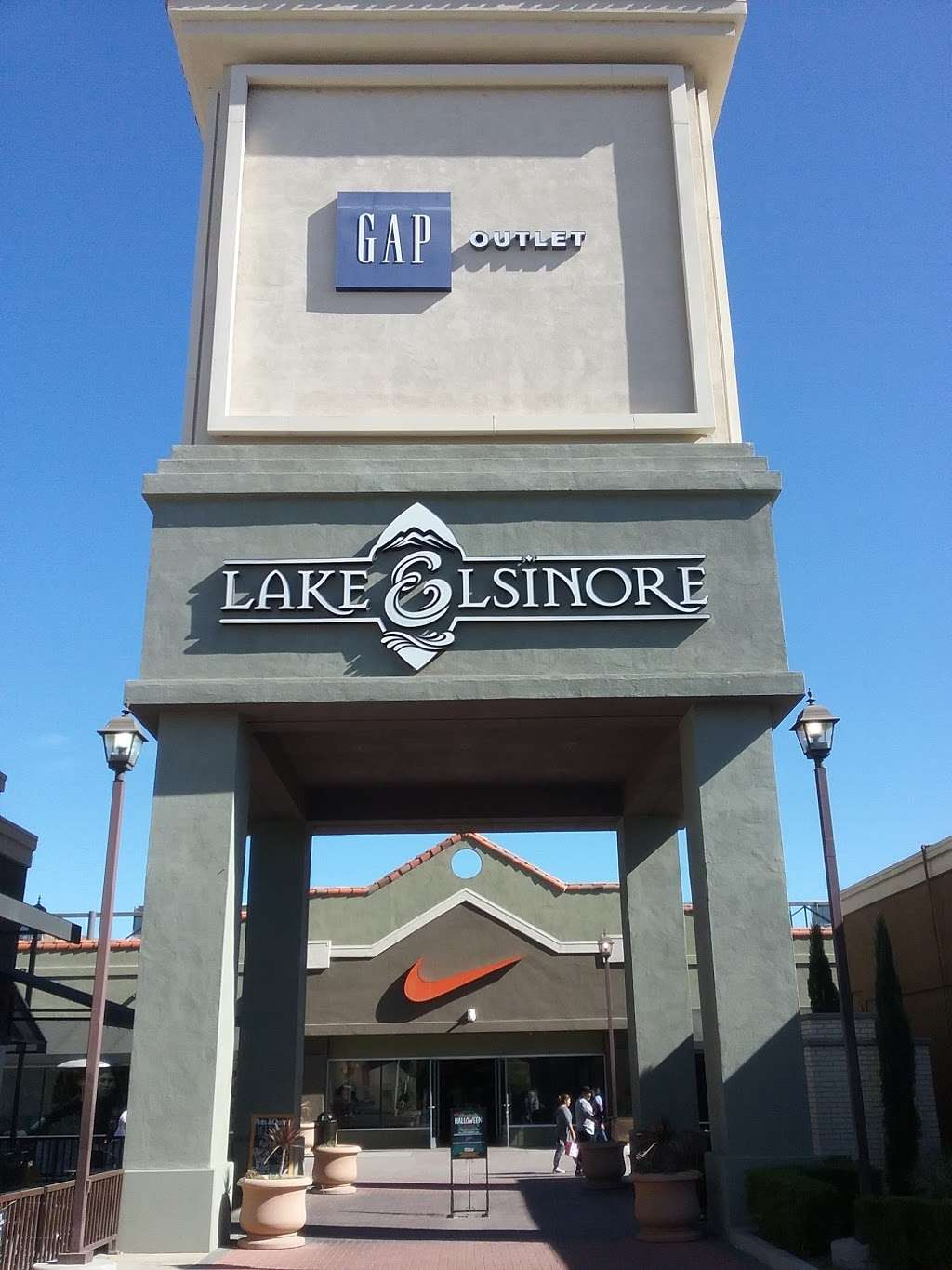 Gap Outlet - clothing store    Photo 4 of 10   Address: 17600 Collier Ave, Lake Elsinore, CA 92530, USA   Phone: (951) 245-6003