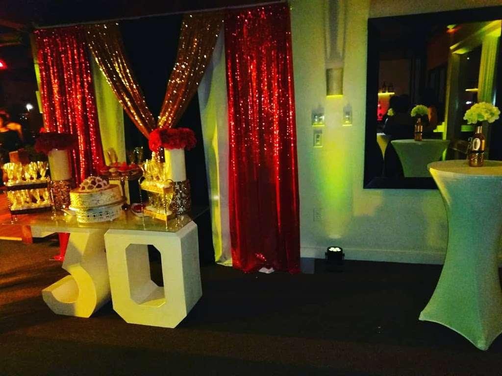 Waterclub Marina Bay - night club  | Photo 4 of 10 | Address: 319 Victory Rd, Quincy, MA 02171, USA | Phone: (617) 328-6500