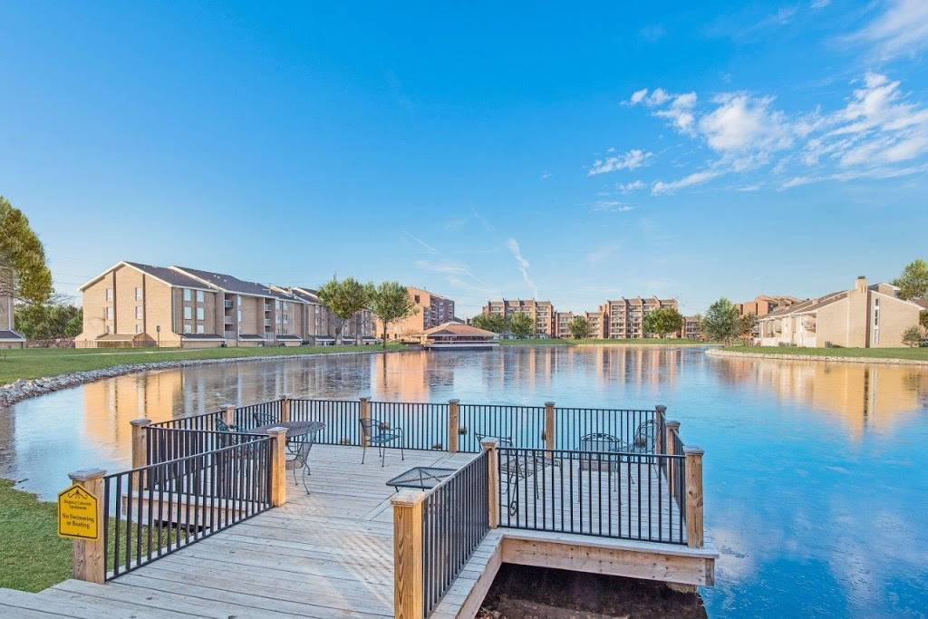 Regency Lakeside Apartment Homes - real estate agency  | Photo 6 of 10 | Address: 10506 Pacific St, Omaha, NE 68114, USA | Phone: (402) 382-9808