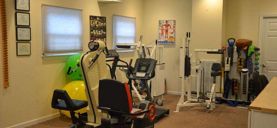 Caring Hands Medical Care - Brentwood - physiotherapist    Photo 1 of 5   Address: 1646 Brentwood Rd, Brentwood, NY 11717, USA   Phone: (631) 231-5200