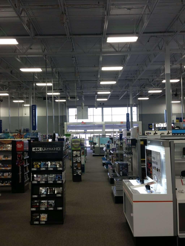 Best Buy - electronics store  | Photo 3 of 10 | Address: 3105 E Main St, Mohegan Lake, NY 10547, USA | Phone: (914) 528-3807