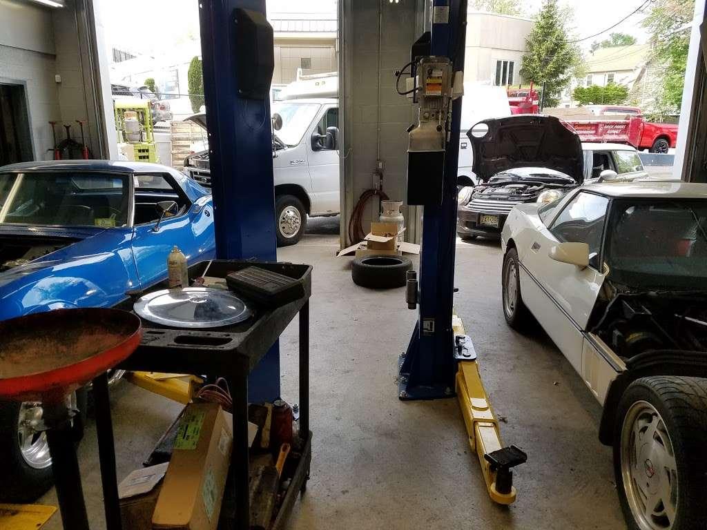 Dees JFK and Auto Service - car repair  | Photo 8 of 10 | Address: 3518, 19 Beach St, Bloomfield, NJ 07003, USA | Phone: (973) 748-8873